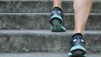 睡前適合運動嗎?
