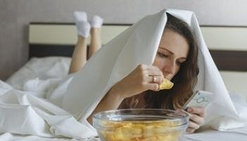 在床上進食健康嗎?